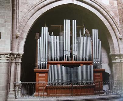 L'orgue dans la tribune nord